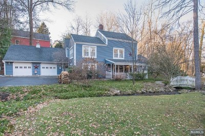 Oakland Single Family Home For Sale: 70 Long Hill Road