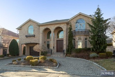 Fort Lee Single Family Home For Sale: 1075 Cumbermeade Road