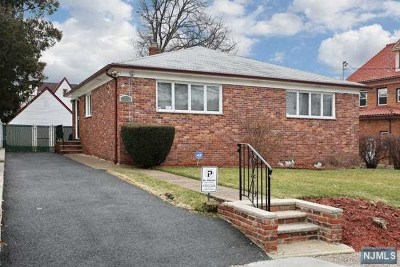 Paterson Single Family Home For Sale: 321-323 East 40th Street