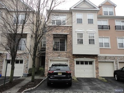 Clifton Condo/Townhouse For Sale: 107 Brittany Court