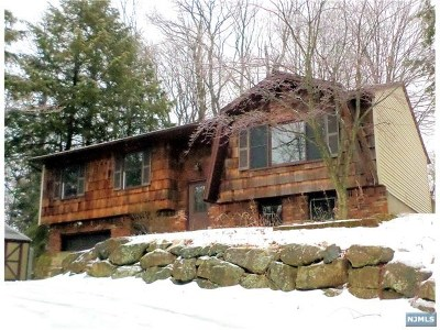 West Milford Single Family Home For Sale: 1900 Clinton Road