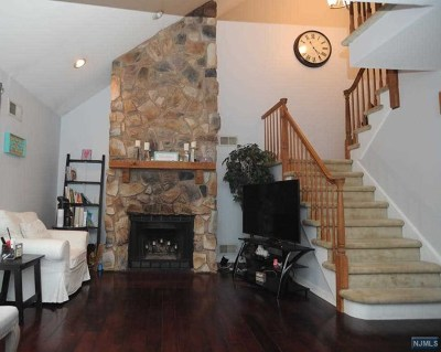 Bloomingdale Condo/Townhouse For Sale: 21 Mountain Ridge Road