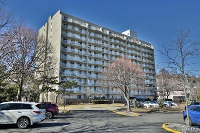 Edgewater Condo/Townhouse For Sale: 1077 River Road #613