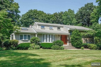 Ho-Ho-Kus Single Family Home For Sale: 63 Arbor Drive