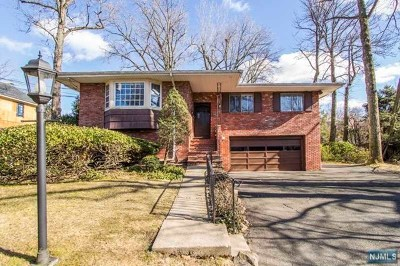 Englewood Cliffs Single Family Home For Sale: 6 Maple Street