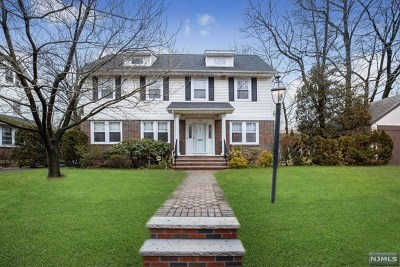 Teaneck Single Family Home For Sale: 1364 Pennington Road