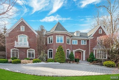 Mahwah Single Family Home For Sale: 34 Great Hall Road
