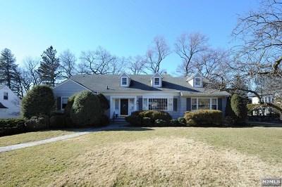 Ridgewood Single Family Home For Sale: 126 Sunset Avenue