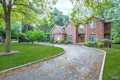 Paramus Single Family Home For Sale: 701 Paramus Road