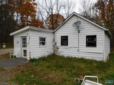 West Milford Single Family Home For Sale: 21 Dan Jennings Road
