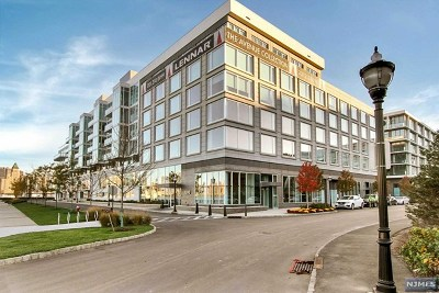 Hudson County Condo/Townhouse For Sale: 1000 Ave At Port Imperial #604