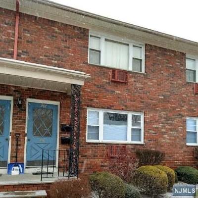 Pompton Lakes Condo/Townhouse For Sale: 422 Ringwood Avenue #A201