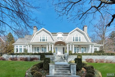 Ridgewood Single Family Home For Sale: 137 Phelps Road