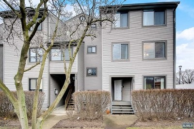 Secaucus Condo/Townhouse For Sale: 747 10th Street