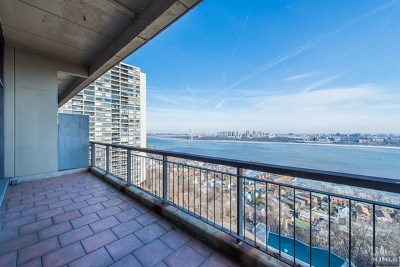 Fort Lee Condo/Townhouse For Sale: 2 Horizon Road #1422