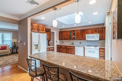 Hillsdale Single Family Home For Sale: 37 Kent Road