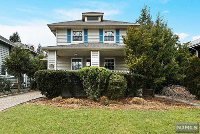 Hackensack Single Family Home For Sale: 835 Summit Avenue