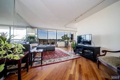 Cliffside Park Condo/Townhouse For Sale: 770 Anderson Avenue #14k