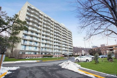 Edgewater Condo/Townhouse For Sale: 1077 River Road #509