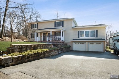 Mahwah Single Family Home For Sale: 116 Second Street
