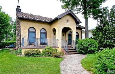Fair Lawn Single Family Home For Sale: 2-02 Cyril Avenue