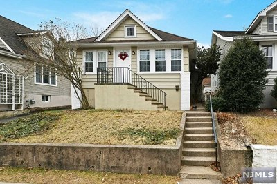 Clifton Single Family Home For Sale: 117 Fornelius Avenue