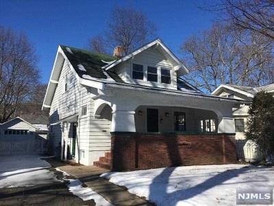 Hawthorne Single Family Home For Sale: 68 Buena Vista Avenue