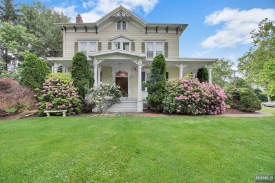 Teaneck Single Family Home For Sale: 1617 River Road