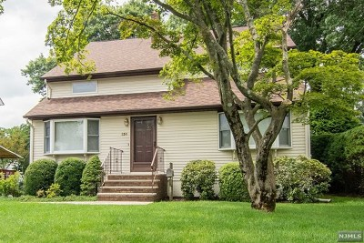 Pompton Lakes Single Family Home For Sale: 130 Olive Avenue