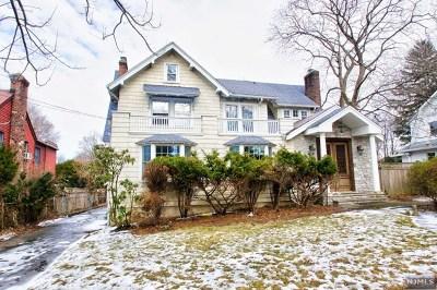 Leonia Single Family Home For Sale: 139 Longview Avenue