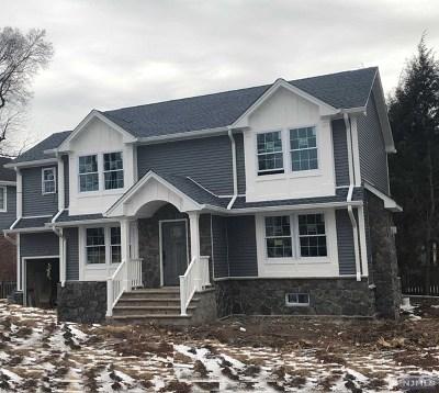 River Edge NJ Single Family Home For Sale: $738,999