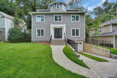 Teaneck Single Family Home For Sale: 690 Forest Avenue