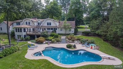 Wyckoff Single Family Home For Sale: 400 Canterbury Lane