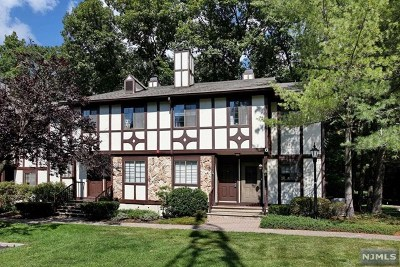 Mahwah NJ Condo/Townhouse For Sale: $299,900