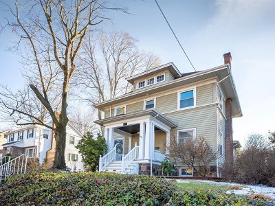Leonia Single Family Home For Sale: 128 Lakeview Avenue