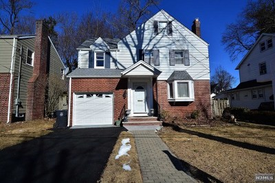 Englewood Single Family Home For Sale: 299 Lantana Avenue