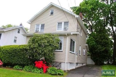 Teaneck Single Family Home For Sale: 68 Selvage Avenue