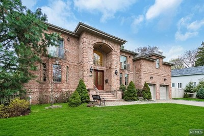 Closter Single Family Home For Sale: 28 Columbus Avenue