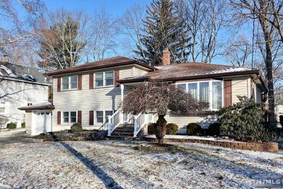 Waldwick Single Family Home For Sale: 55 Bergen Avenue