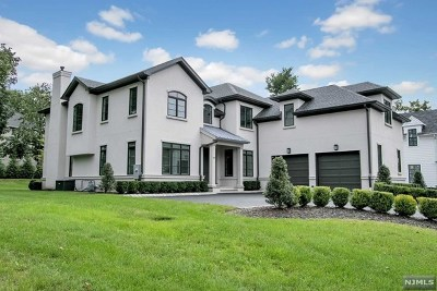 Closter Single Family Home For Sale: 109 Macarthur Avenue
