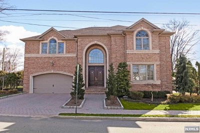 Fort Lee Single Family Home For Sale: 1166 Abbott Boulevard