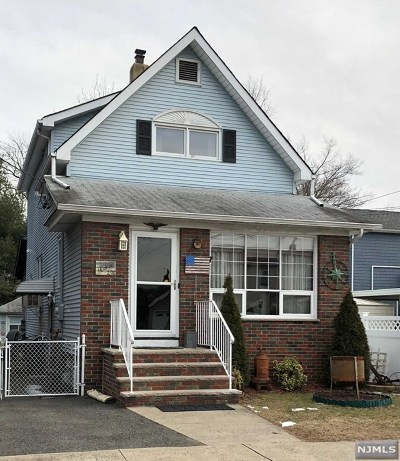 Lyndhurst Single Family Home For Sale: 296 Willow Avenue