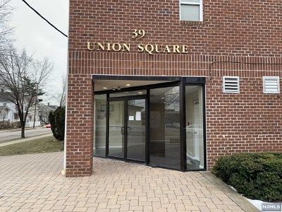 Hackensack Condo/Townhouse For Sale: 39 Union Street #203