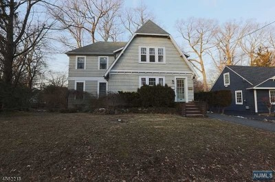 Ridgewood Single Family Home For Sale: 341 Fairmount Road