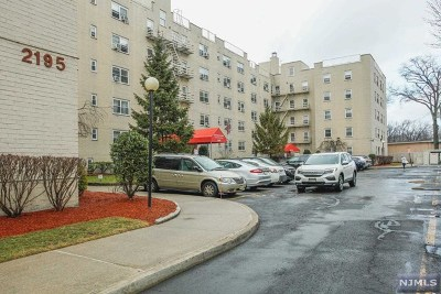 Fort Lee NJ Condo/Townhouse For Sale: $289,000
