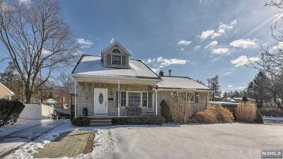 Pompton Lakes Single Family Home For Sale: 24 Stiles Court