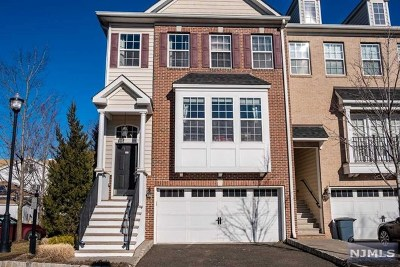 Secaucus Condo/Townhouse For Sale: 1 Creekside Court