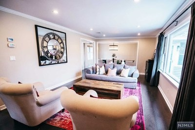Ramsey NJ Single Family Home For Sale: $695,000