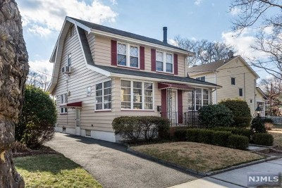 Hawthorne Single Family Home For Sale: 61 McKinley Avenue