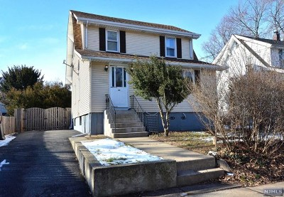 Teaneck Single Family Home For Sale: 288 Woodbine Street